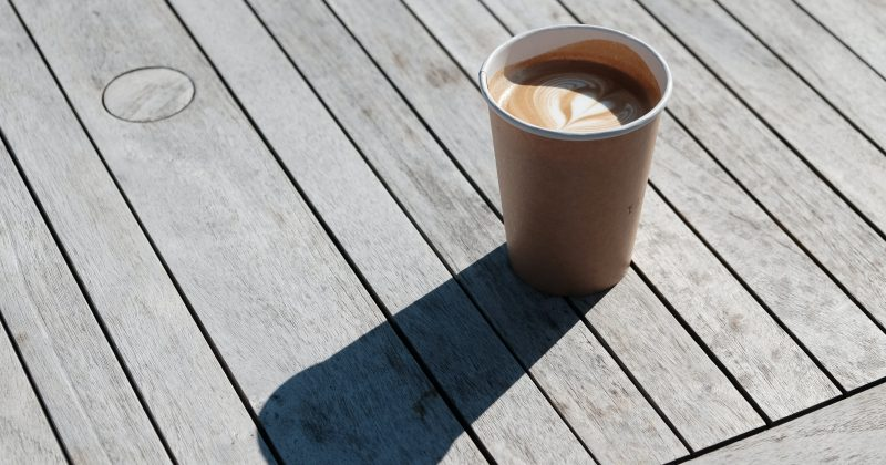 Drinking coffee from a paper cup poses health risks
